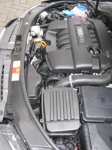 Audi A3 1.6 Sportback Motorraum nach Einbau einer LPG-Autogas Anlage