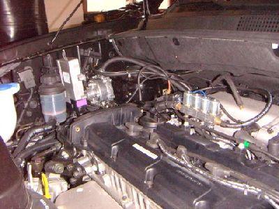 Hyundai Tucson Motorraum nach Einbau einer LPG-Autogas Anlage