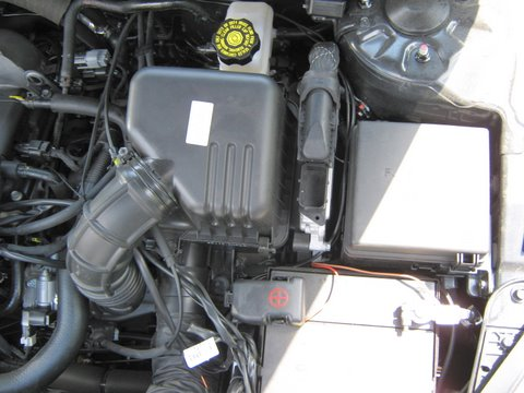 Kia Ceed Motorraum nach Einbau einer LPG-Autogas Anlage