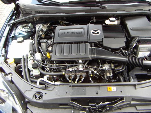Mazda 3 1.6 Motorraum nach Einbau einer LPG-Autogas Anlage