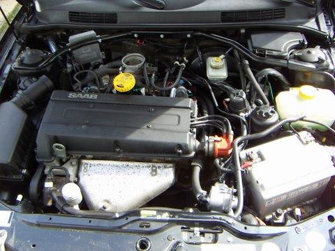 Saab 9.3 2.0 Motorraum nach Einbau einer LPG-Autogas Anlage