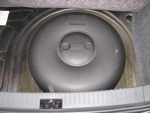 Seat Ibiza 1.4 Reserveradmuldentank nach Einbau einer LPG-Autogas Anlage
