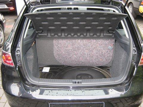 Seat Ibiza 1.4 Kofferraum mit Reserveradmuldentank nach Einbau einer LPG-Autogas Anlage