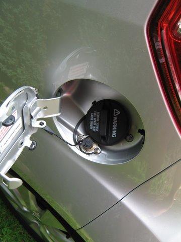 Suzuki Splash 1.2 Tankeinfüllstutzen nach Einbau einer LPG-Autogas Anlage