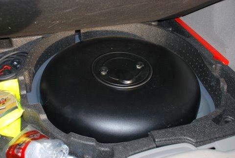 Volvo V50 1.8 Kofferrraum mit Reserveradmuldentank nach Einbau einer LPG-Autogas Anlage