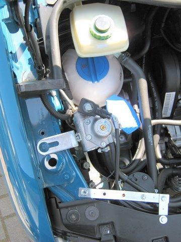 Volkswagen VW Caddy Motorraum nach Einbau einer LPG-Autogas Anlage
