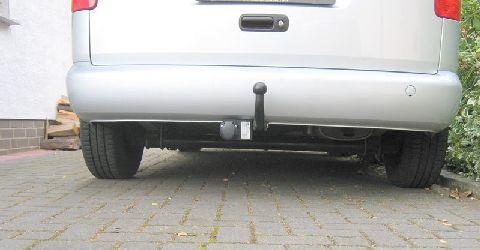 Volkswagen VW Caddy Heckansicht mit Unterflurtank nach Einbau einer LPG-Autogas Anlage