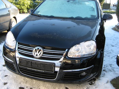 Volkswagen VW Golf Frontansicht nach Einbau einer LPG-Autogas Anlage