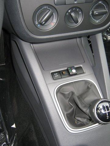 Volkswagen VW Golf Variant Mittelkonsole nach Einbau einer LPG-Autogas Anlage