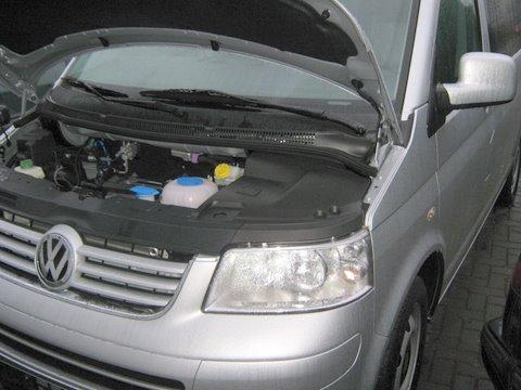 Volkswagen VW Multivan Motorraum nach Einbau einer LPG-Autogas Anlage