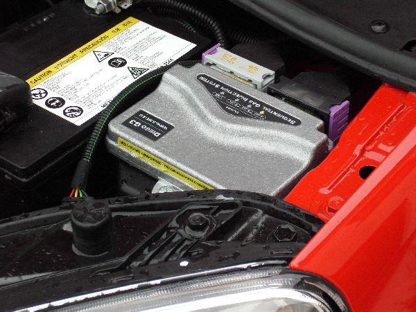 Kia Picanto Frontansicht / Mottorraum nach Einbau einer LPG-Autogas Anlage