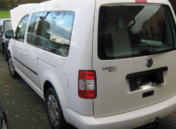 Volkswagen VW Caddy Maxi Heckansicht nach Einbau einer LPG-Autogas Anlage