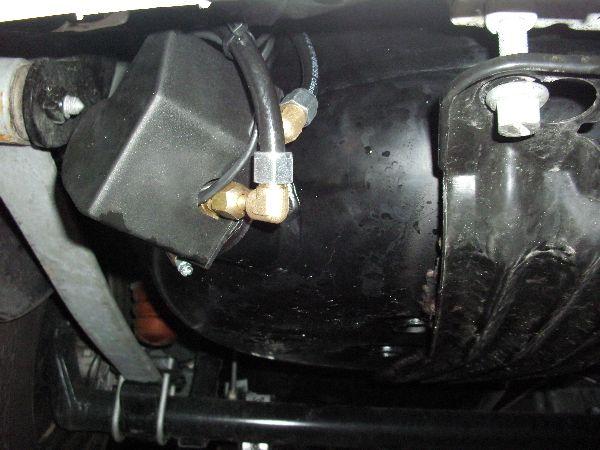 Volkswagen VW Caddy Maxi Kasten Unterflurtank / LPG Autogas: Anlage KME Diego G3