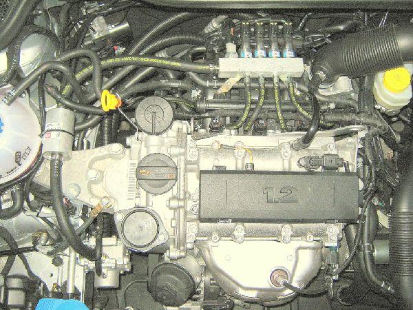 Motorraum mit Sicht auf Multiventile